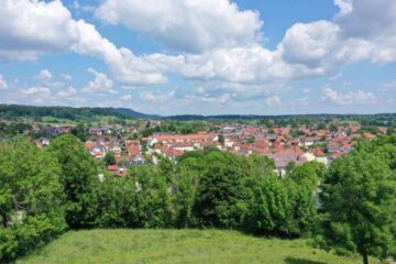 Baugrundstück mit Altbestand für zwei Einfamilienhäuser in Peißenberg-Dorf am Guggenberg, 82380 Peißenberg, Grundstück