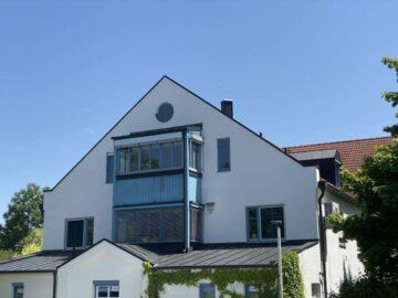 Neu renovierte 3 Zimmer Wohnung mit West-Loggia und TG sowie Keller in Weilheim-Ost, 82362 Weilheim, Dachgeschosswohnung
